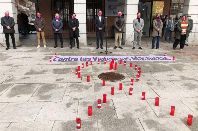 Un minuto de silencio para condenar el asesinato de Mª Carmen en Torrejón de Ardoz 1