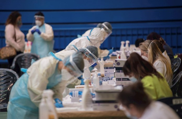 Restricciones, vacunas y cribados: nueva semana de lucha contra la Covid 3