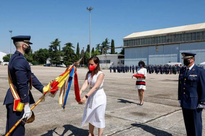 La base aérea del Ejercito del Aire de Getafe recibe la medalla de oro de la ciudad 1