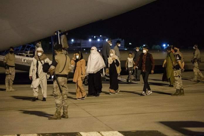 Evacuados afganos llegan a la base de Torrejón: Campamentos y protocolo Covid-19 4