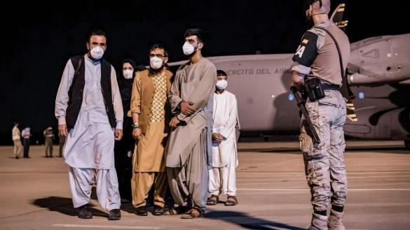 La base de Torrejón acogerá este martes a otros 390 afganos 1