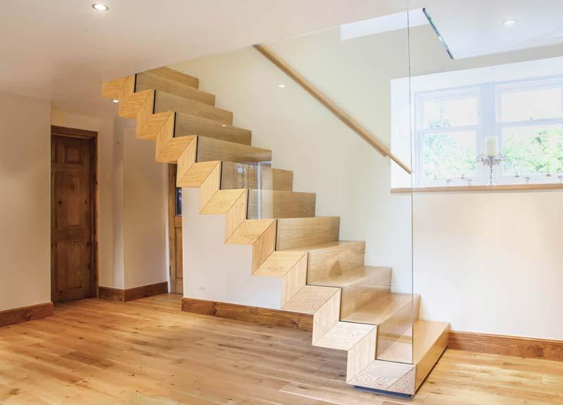 Tamaño escaleras en locales y oficinas
