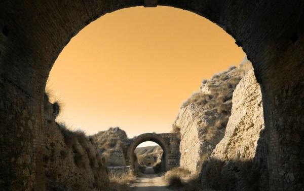 los túneles del ferrocarril de los 40 días
