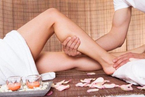 masaje piernas cansadas