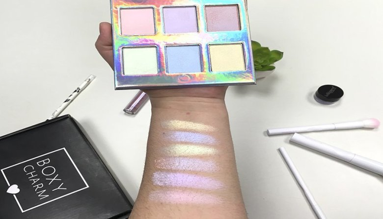 boxycharm febrero 2018 galaxy glow beauty box naked cosmetics paleta de iluminadores