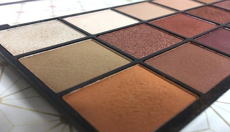iconic reloaded makeup revolution paleta de sombras eyeshadow clon naked heat urban decay 3