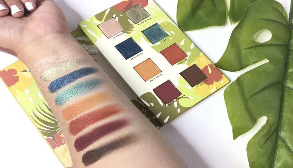 boxycharm junio alamar cosmetics reina del caribe palette pestañas postizas luxie brochas jontenblu ofra labiales