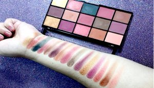 labial morado makeup revolution foil finish hean labial rojo dragons blood revolution beauty re loaded maquillaje club 5
