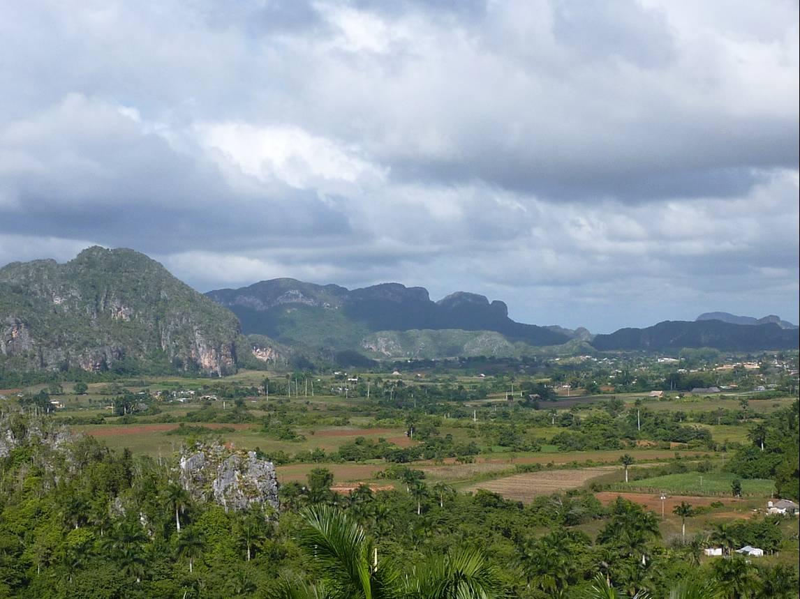 paisaje-tabacalero-pinar-del-rio-cuba