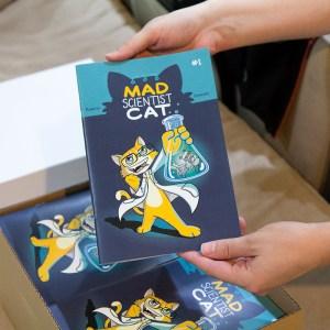 Mad Scientist Cat - comic unboxing