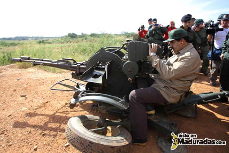 Maduro armado en transmisión de TV.