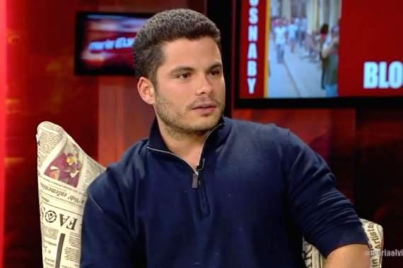 La periodista venezolana Maria Elena Lavau entrevista a Yusnabi Perez