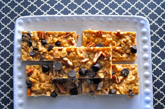 Peanut Butter Chocolate Chip Granola Bars