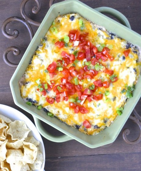 Green Chili Chicken Ranch Dip...super easy dip that is full of flavor! #glutenfree www.maebells.com
