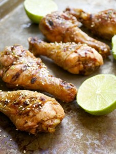 Smoked Drumsticks with Sriracha and Honey Lime Sauce, an awesome game day snack! #glutenfree