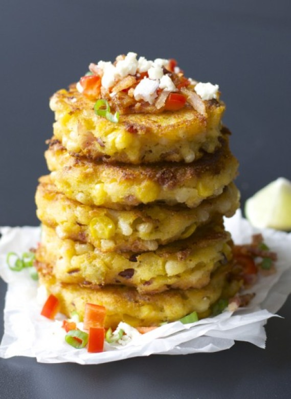 Green Chili Corn Fritters with Bacon, these are so addictive! #glutenfree www.maebells.com