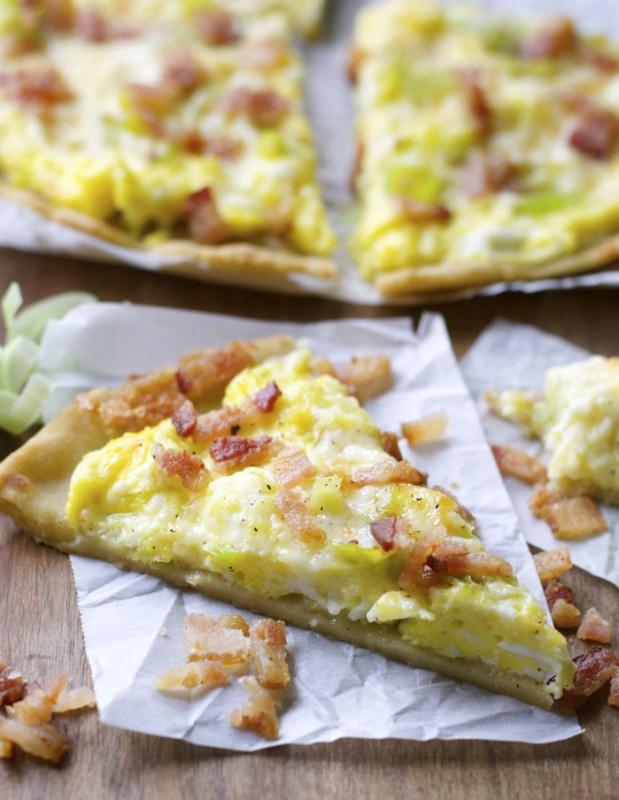 Crispy Breakfast Pizza with Cheddar and Leeks (gluten free!) www.maebells.com