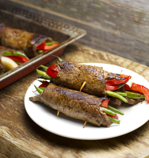 Crazy easy Five Ingredient Steak Rolls! An impressive dinner ready in just 20 minutes! #glutenfree www.maebells.com