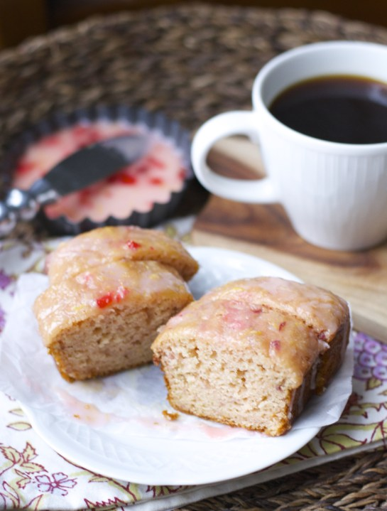 Gluten Free Strawberry Lemonade Bread! Delightfully sweet and tangy! www.maebells.com