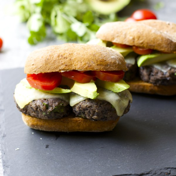 Zesty Black Bean Sliders! Super easy and gluten free! #BretonGlutenFree #CleverGirls