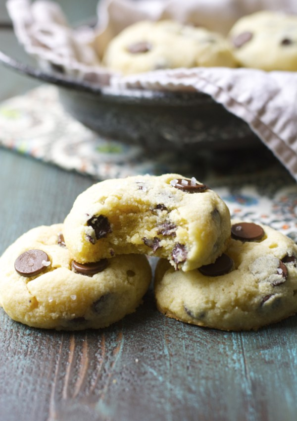 Chocolate Chip Almond Cookies
