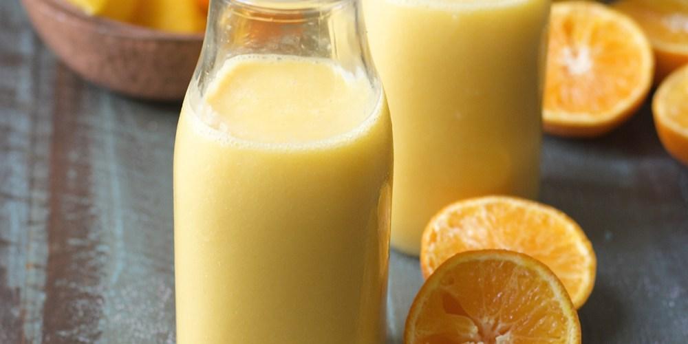 This sweet and creamy Citrus Vanilla Smoothie is packed with orange juice, mango, vanilla and almond milk!