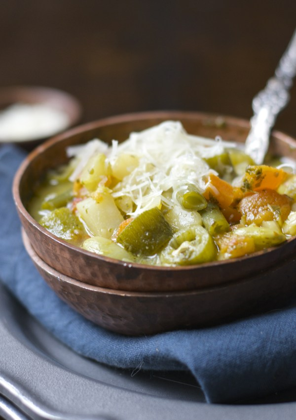 Creamy Pesto Veggie and Orzo Soup