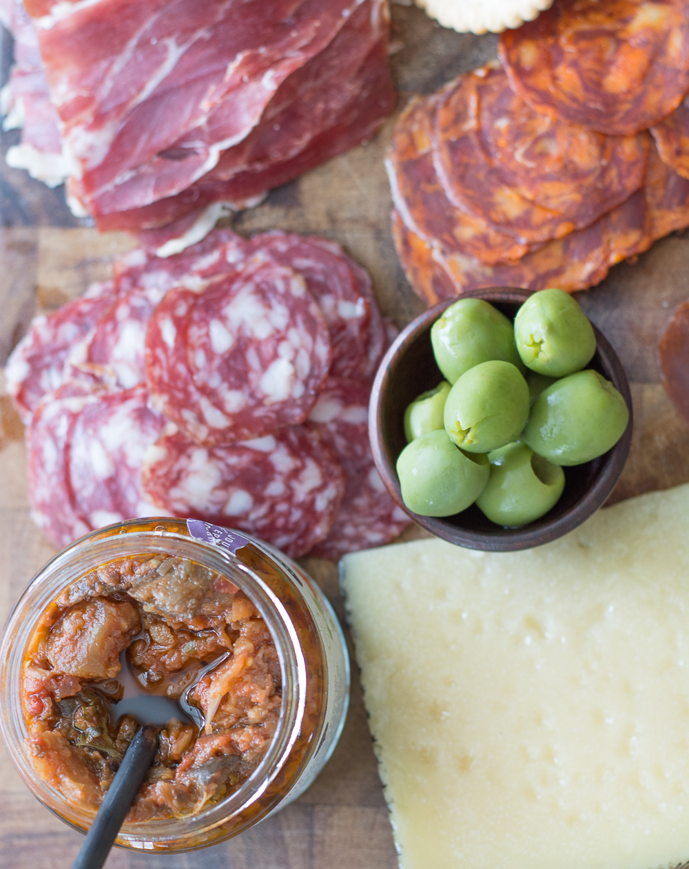 I am a sucker for a good appetizer platter. There is nothing better than a nice big Charcuterie board packed with cured meats and fancy cheeses.