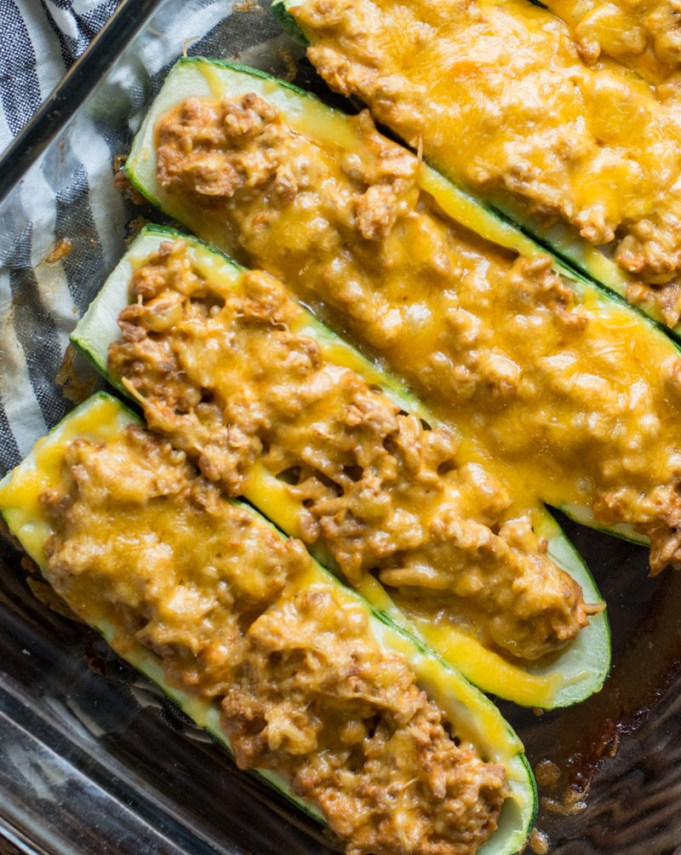 These low carb Keto Cheeseburger Zucchini Boats are packed with meat, cheese and a savory sauce! The perfect easy weeknight keto meal!