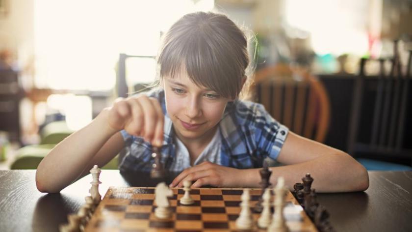 Los beneficios del ajedrez en niños
