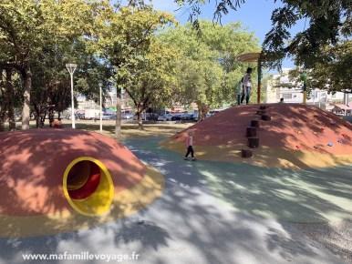 Aire de jeux près du lac Lotus Pond