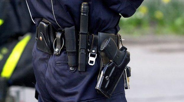 Får vi försvara oss – eller är det bara poliser som får det?