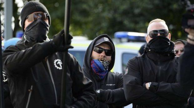 De försökte hålla oss borta – istället stoppade vi nazisterna