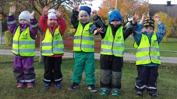 Lyssna på gula västarna i Sverige!