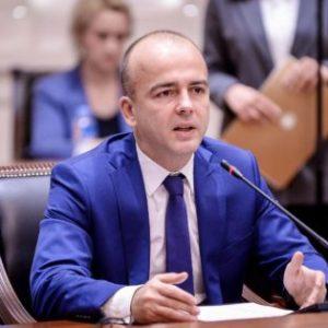 Драган Тевдовски замина од Македонија- ќе работи во Вашингтон