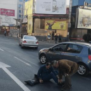 КАДЕ ЌЕ МУ ОДИ ДУШАТА: Со автомобил помина на црвено, удри пешак кај Соборна и избега