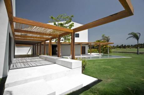 Дом у озера в Мексике 3