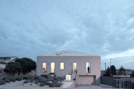 Реконструкция дома в Португалии 3