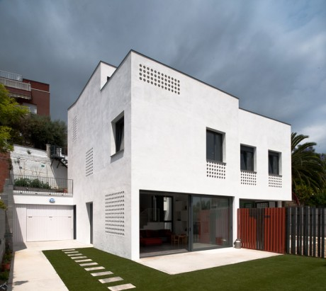 Дом на две семьи в Испании