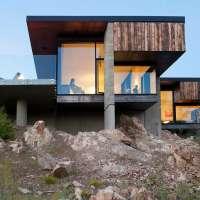 Лесной дом на склоне в Канаде 3