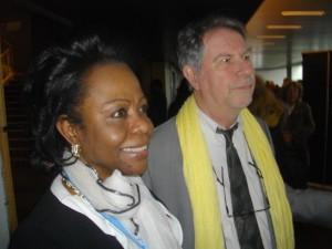 Liège: cinéaste Thierry  Michel et Dr Aurore Kinduelo avant l'interview télévisée.