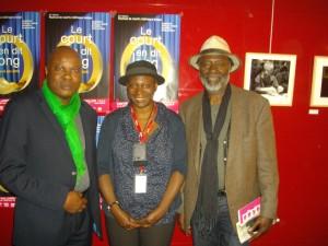 Réalisatrice Monique Mbeka avec Lilo Miango(g.) et réalisateur Dom Pedro.