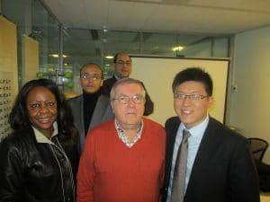 Le chercheur chinois Song Qing et certains experts.