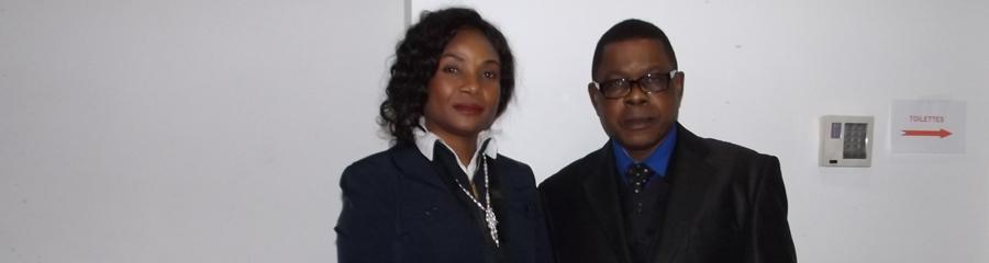 Paris,salle de la télévision UBIZnews: journaliste Nila Mbungu et la Congolaise Suzie Katsuva.
