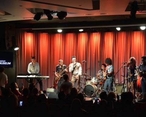 Cimafunk en el Grammy Museum. Foto: Betto Arcos.