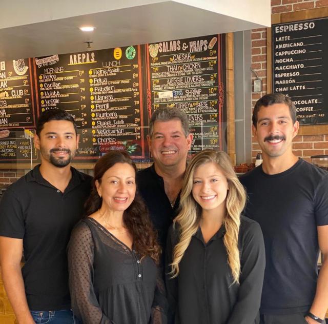 Luis Granati y familia