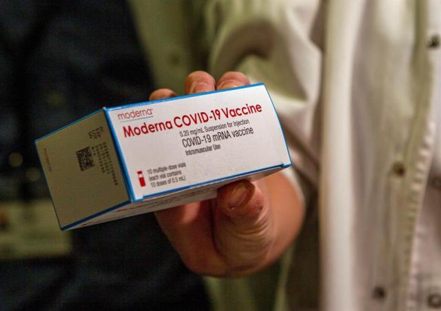 La vacuna de Moderna protege contra las variantes británica y sudafricana