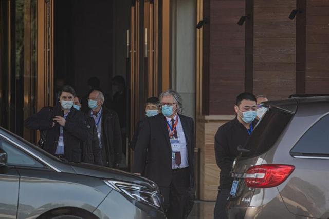 Los investigadores de OMS visitan dos centros de control de enfermedades en Wuhan