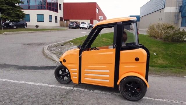 Canadiense desarrolla vehículo eléctrico para combatir los problemas de tráfico