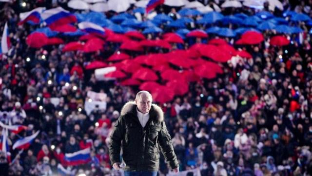 Putin firma ley que le permite cumplir dos mandatos más